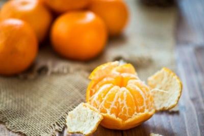 Полезны ли мандарины кормящим мамам, можно ли их есть при ГВ? Правила употребления и рецепты