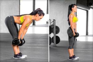 Женщина выполняет становую тягу на прямых ногах