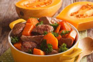 Мясо с тыквой в духовке