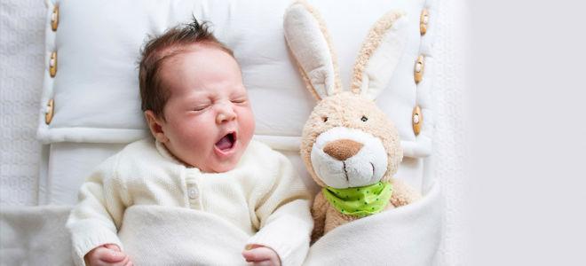 Новорожденный ребенок не спит что делать?