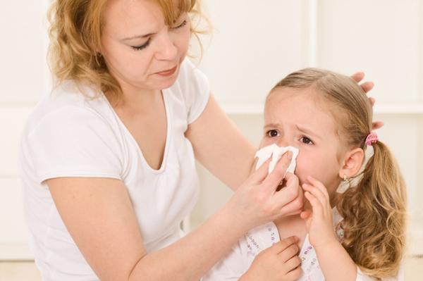 Затяжной насморк у ребенка