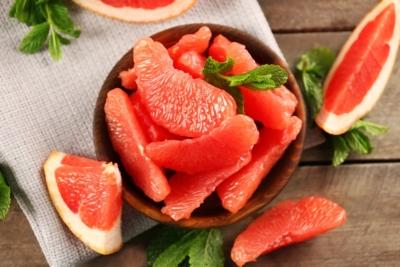 Можно ли есть грейпфрут при грудном вскармливании? Польза и вред цитруса для матери и ребенка