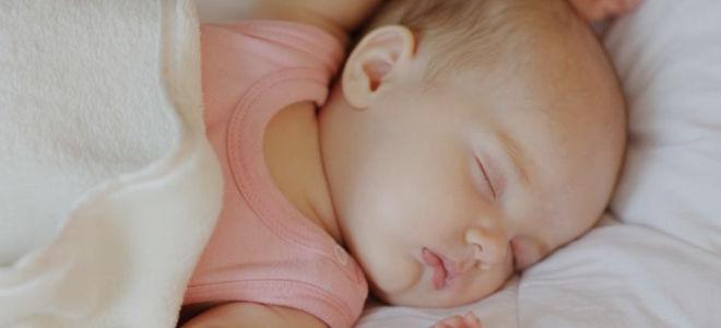 Как правильно должен спать новорожденный ребенок