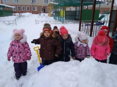 Нормы и требования СанПин: до какой температуры гуляют в детском саду, а в каких случаях туда идти не надо?