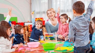 Родителям полезно знать: обязанности и права воспитателя в детском саду