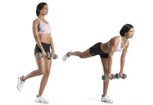 Девушка выполняет становую тягу на одной ноге