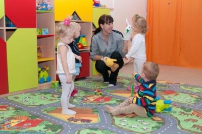 На заметку родителям и педагогам. Что входит в обязанности помощника воспитателя в детском саду?