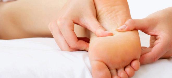 Почему болят стопы ног после сна?