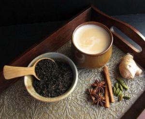 Чай с имбирем, кардамоном и молоком