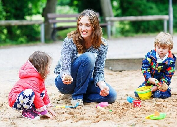 Что делать, если ребенок в 3 года не слушается и истерит? Советы психолога родителям неуправляемых детей