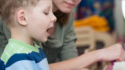 Как быстро научить ребенка говорить букву р - выговариваем звук дома, легкие занятия и видео упражнения