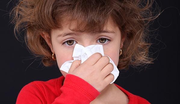Как лечить насморк у ребенка 3 года?