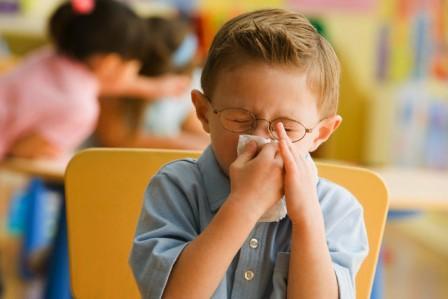 Правильно лечение прозрачных и жидких соплей у детей