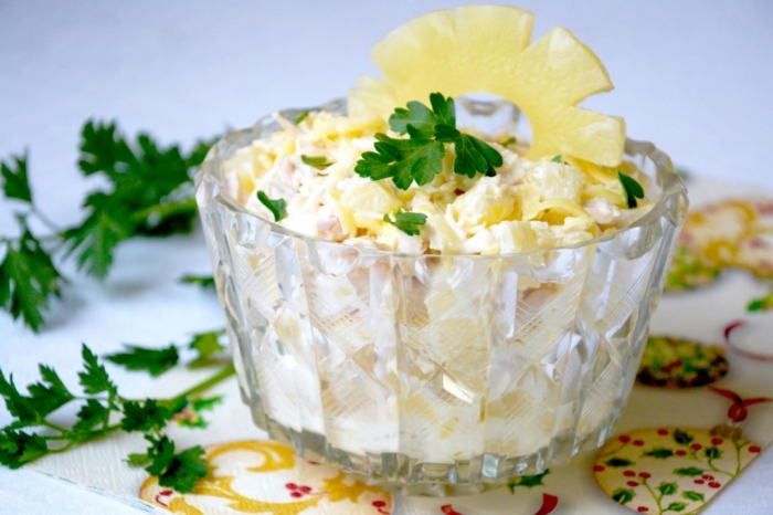 Можно ли есть консервированные ананасы при грудном вскармливании? Польза и вред продукта, рецепты блюд