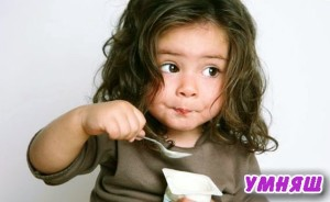 Как научить ребенка самостоятельно кушать ложкой
