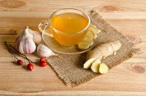Чай с имбирем и брусникой