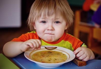 Почему ребенок не ест в детском садике? Борьба с плохим аппетитом малыша